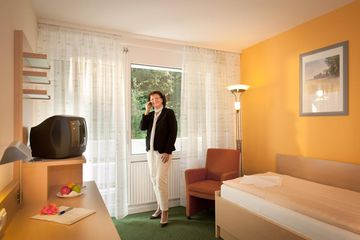 unterk nfte hotels rh n pensionen rh n ferienwohnungen. Black Bedroom Furniture Sets. Home Design Ideas