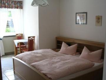 Ferienwohnung Kleinhenz Schlafzimmer