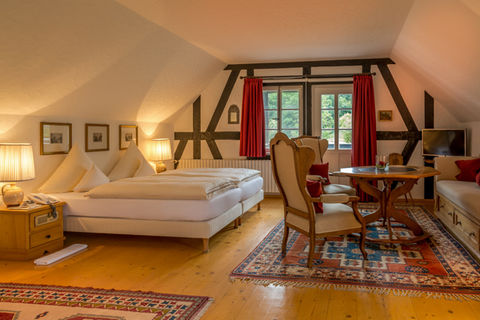 unterk nfte hotels rh n pensionen rh n ferienwohnungen urlaub in der rh n hotels buchen. Black Bedroom Furniture Sets. Home Design Ideas