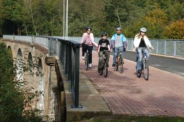 Bild:Marbacher Viadukt Kegelspiel-Radweg