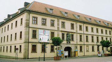 Vonderau Museum, Eingang, Außenansicht NO