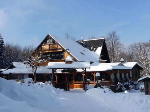 Bild:Thueringer Rhoenhaus Aussenansicht Winter