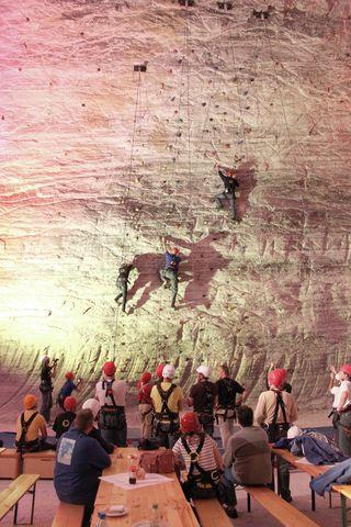 Bild:Kletterwand