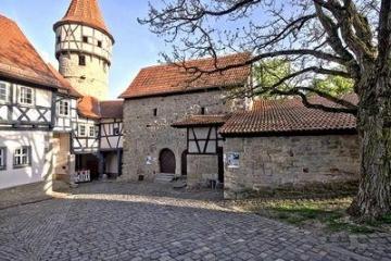 Die Kirchenburg in Ostheim1